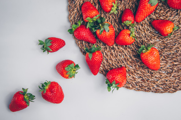 natural-sources-of-vitamin-c-strawberry