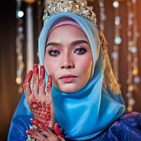 Blue Songket by Budin DaneCreative - Wedding Bride ( kahwin, nikonshooter, gorgeous, blue, wedding, pengantin, malay, malaysia, nikon, bride, songket,  )