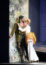 Photo: Wiener Kammeroper: GLI UCCELLATORI von Florian Leopold Gassmann. Inszenierung: Jean Renshaw. Premiere 22.3.2015. Tobias Greenhalgh, Viktorija Bakan. Copyright: Barbara Zeininger