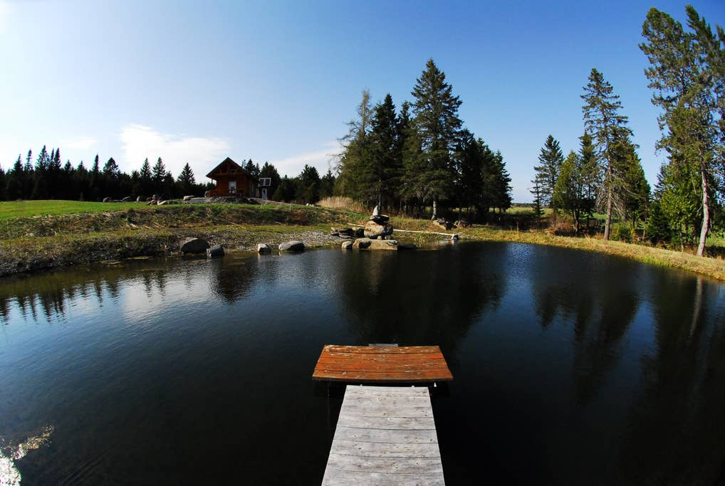 Waterfont cottages for rent in Eastern Townships #17