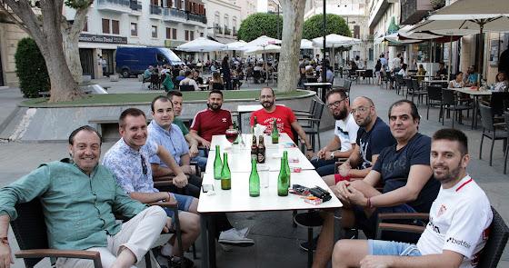 Colectivos almerienses disfrutan del reencuentro de amigos en la fase 3