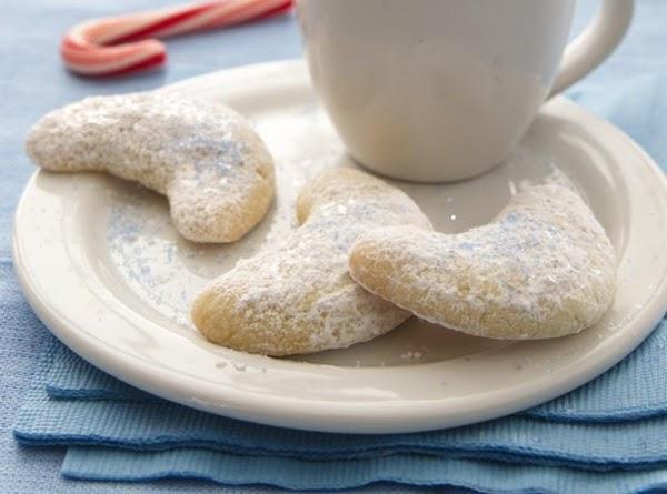 Easy Almond Crescents Recipe