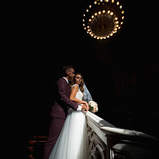 Wedding photographer Oleg Gurov (AmazinG). Photo of 01.08.2018
