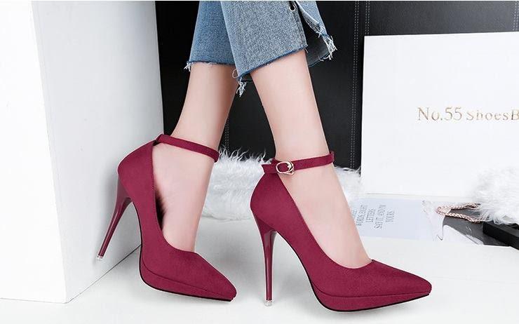 Những mẫu giày giúp đôi chân bạn trở nên thon gọn hơn