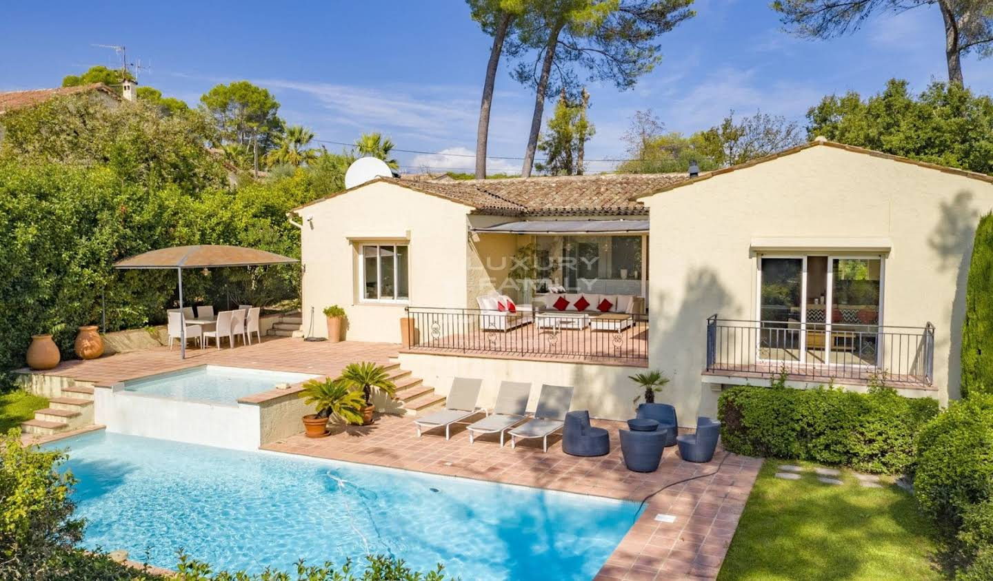 House with garden Mougins