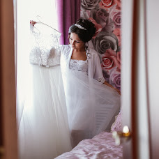Wedding photographer Irina Sycheva (iraowl). Photo of 15.12.2017