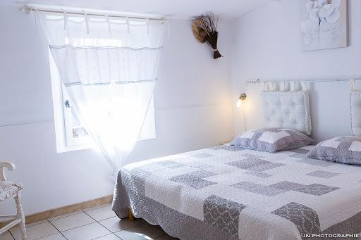 Chambres d'hôtes l'Esclériade en Provence au pied du Mont Ventoux proche de Vaison-la-Romaine, chambre Pastourelle