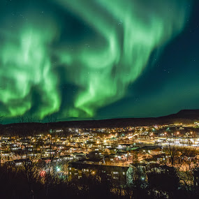 When the sky went green by Ricky Friskilæ - Landscapes Weather ( autumn, aurora borealis, norway )