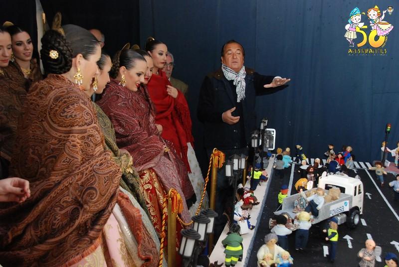 Rocío Gil y su corte de Honor visitan el Belén del Duc