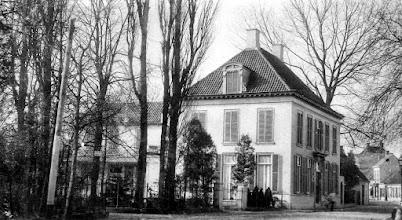 Photo: 1922 Huize Mertersem aan de Voorstraat (zie electiciteitspalen na 1918)