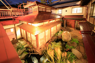 Photo: 中庭 夜 Courtyard