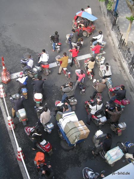 Photo: Traffic (Shanghai/China - October 2010)