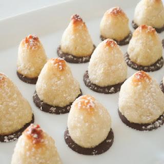 Easy Coconut Macaroon Bites.