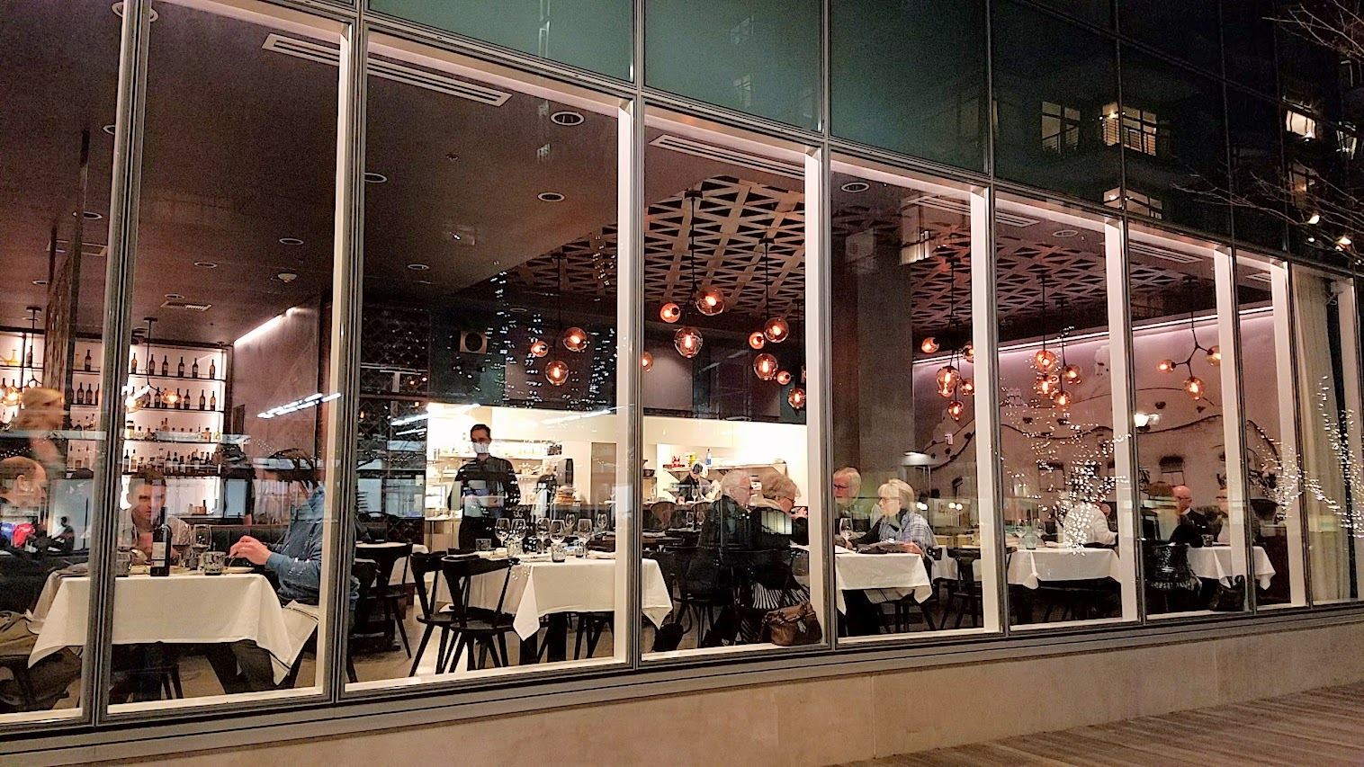 Can Font Portland, a restaurant in the Pearl District of Portland offering Catalan Cuisine- exterior looking in