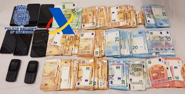 La Policía también encontró gran cantidad de dinero.