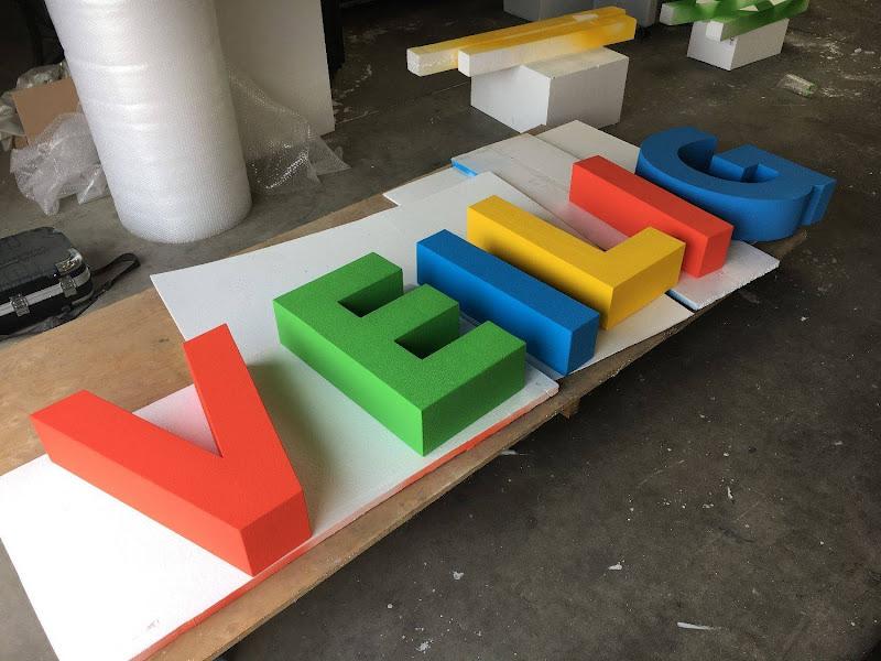 3D letters & logo's uit EPS en XPS - gekleurde 3D letters voor fotoshoot