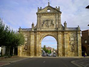 Photo: Etapa 17. Arco barroco de San Benito.Sahagún. León.