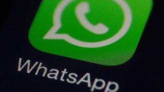 Whatsapp recomienda hacer copias de seguridad para evitar la pérdida de tus archivos.