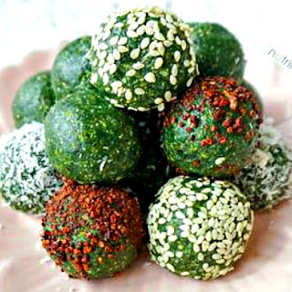 Raw Spirulina Hemp Balls (Vegan & Gluten-free – with Nut-free Option).