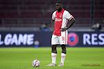 🎥 Ajax-speler trapt penalty letterlijk uit het stadion