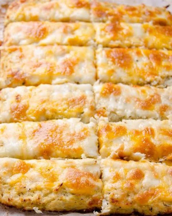 Amazing Cheesy Cauliflower Breadsticks Recipe