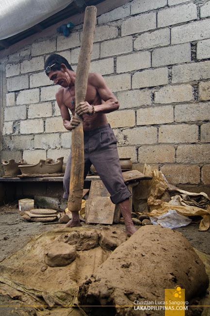 Iguig Pottery Maker