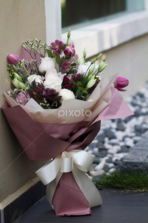 by Steven De Siow - Flowers Flower Arangements ( flower photography, flowers bouquet, flower arrangement, hand bouquet, flower,  )