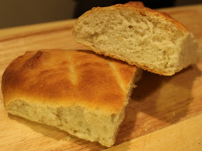 Photo: http://www.marystestkitchen.com/2012/02/perfect-vegan-french-bread/