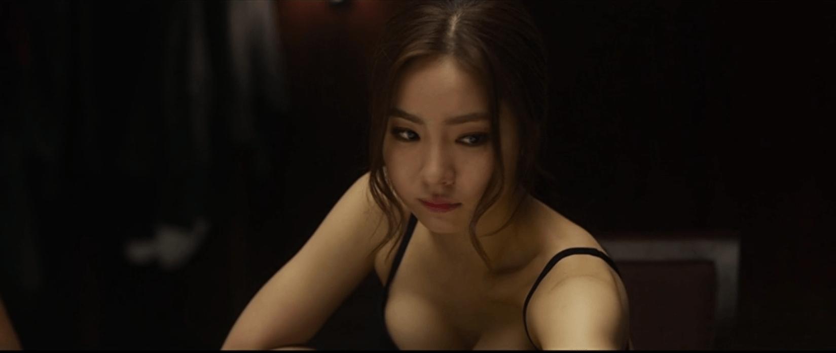 Japanese girls taking in big dildos