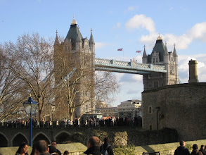 Photo: Blick vom Tower of London auf die Tower Bridge