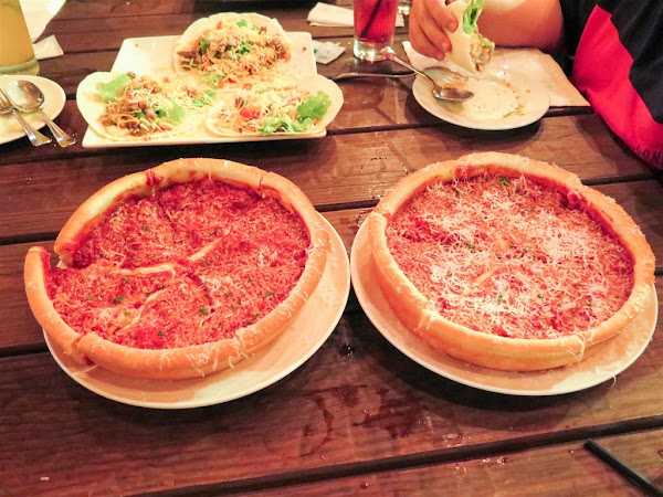 The-303 Kitchen and Bar -- 在高雄也吃得到超厚起司爆量料超豐富超美味的芝加哥深盤披薩
