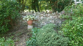 Dry stone wall rebuilt in Bath, England