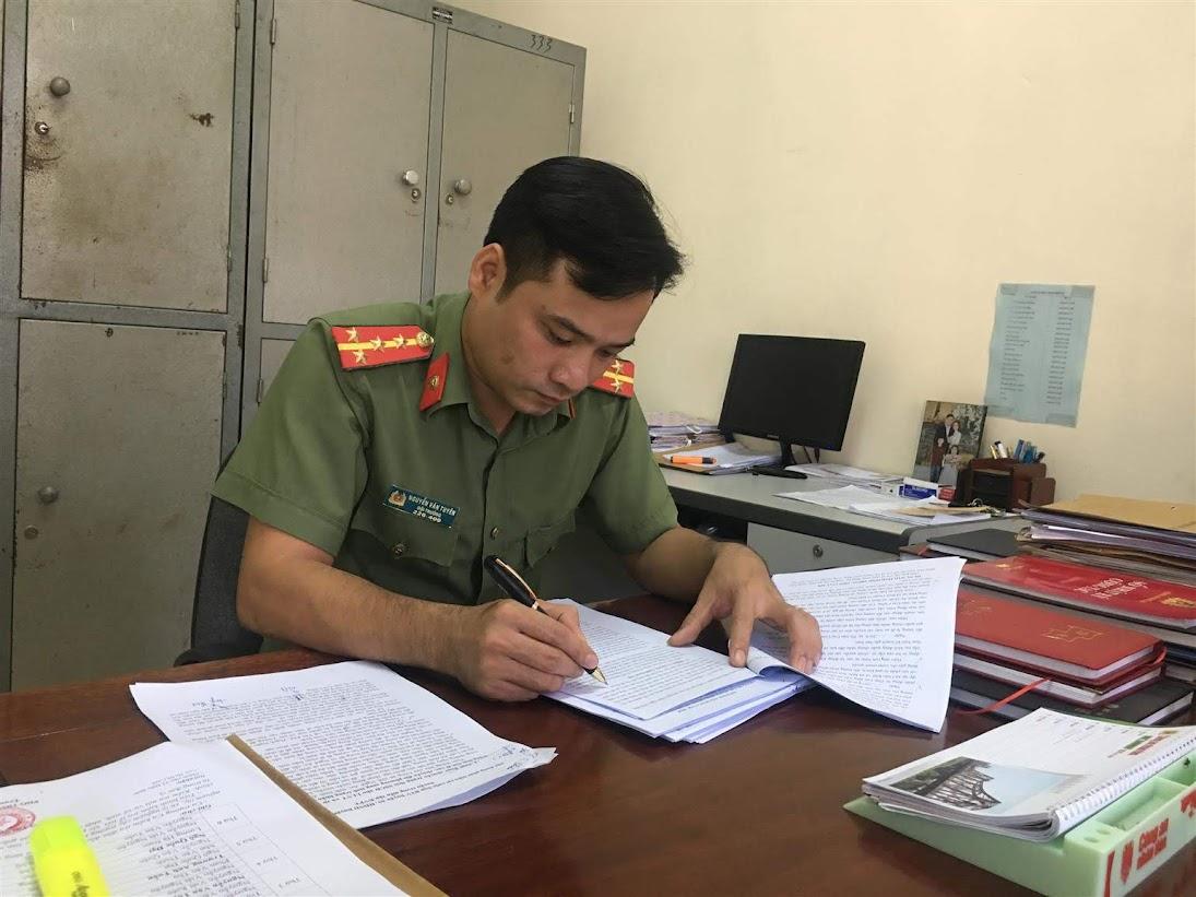 Đại uý Nguyễn Văn Tuyên