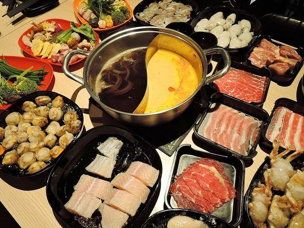 南洋叻沙.壽喜燒~螃蟹生蠔海鮮吃到飽,一個人也能吃的吃到飽!肉肉屋火鍋