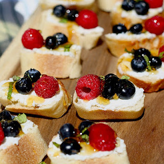 Summer Berry Crostini with Honey Ricotta and Mint Recipe