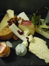 Photo: plateau de fromages AOP ou lait cru