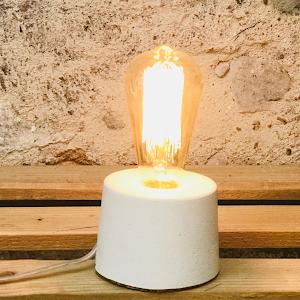 lampe design béton blanc