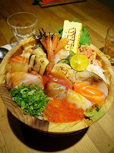 值得讓自己奢侈一下的澎湃海料~毛丼 丼飯專門店