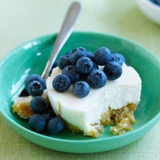 Baby Cheesecakes With Blueberries.
