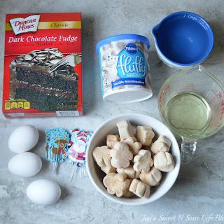 Marshmallow Christmas Cupcakes.
