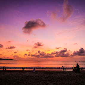 Sunset at Jimbaran by Michael Tan - Landscapes Sunsets & Sunrises ( clouds, bali, beaches, sky, sunset, jimbaran, sea, seaside, indonesa, sun )