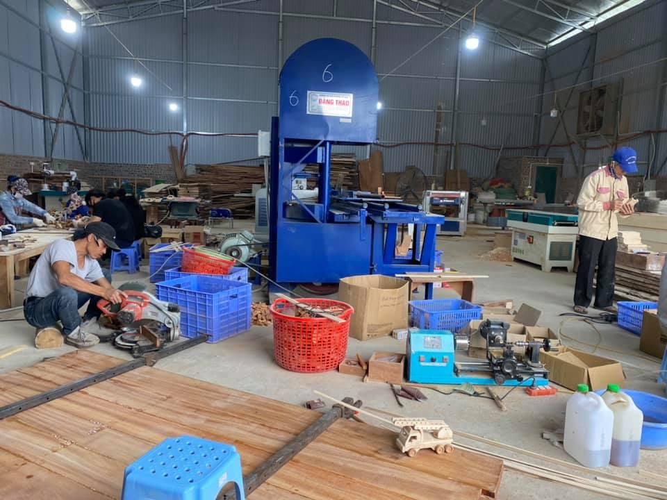 Xưởng sản xuất đồ chơi bằng gỗ chất lượng.