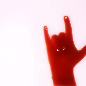 Hand LOVE PIXOTO.jpg