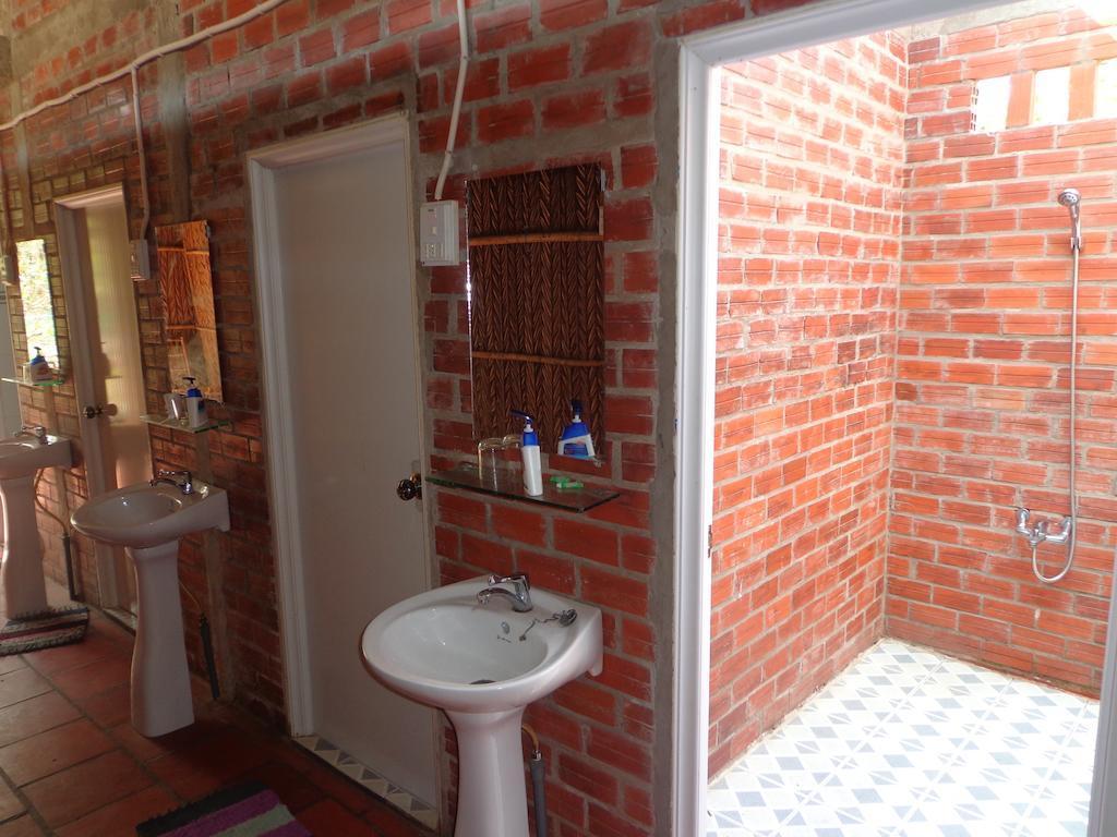 nhà vệ sinh Phương Thảo Homestay