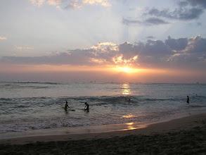 Photo: C1240022 O'ahu - Honolulu - zachod slonca na plazy