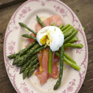 Smoked Salmon And Poached Eggs Recipes