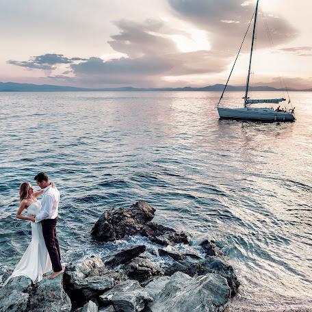 Wedding photographer Konstantinos Xenos (xenos). Photo of 13.02.2017