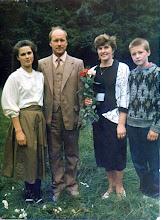 Photo: Iš kairės: Asta Kukulskytė, Stasys Kukulskis, Stasė Kukulskienė (Dobrovolskytė), Evaldas Kukulskis. Nuotrauka iš Zofijos Kukulskytės asmeninio albumo.