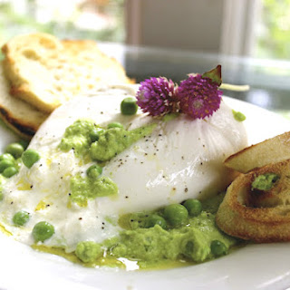 Creamy Burrata with Minty Pea Pesto