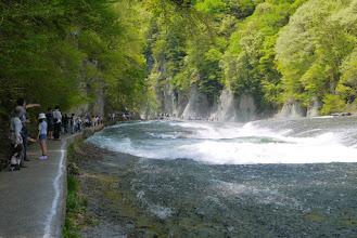 Photo: 滝よりも遊歩道が気になる